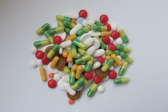 サプリメントの添加物に副作用はある?