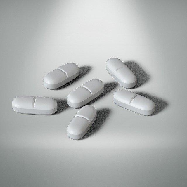 消化酵素サプリメントを飲むと胃もたれする?